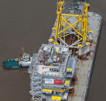Offshore topside en jacket voor Burbo Bank Extension varen uit